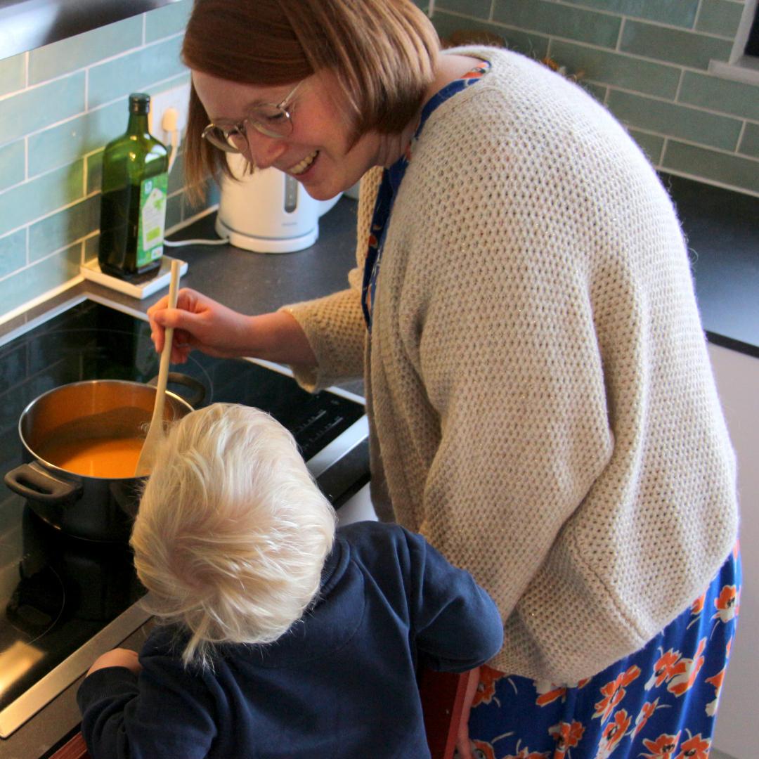 Marcel en mama koken